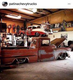 Slammed 58/59 Chevy fleetside pickup