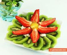 Dessert Made of Kiwi Fruit and Strawberry Healthy Meals To Cook, Healthy Nutrition, Healthy Cooking, Healthy Snacks, Easy Meals, Healthy Recipes, Best Summer Desserts, Summer Dessert Recipes, Summer Deserts