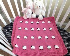 Sheep Couverture de bébé - un projet tricot adorable bébé de couverture qui serait mignon dans aucune couleur.  Pour plus de plaisir projets couverture de bébé à tricoter suivez-nous sur Pinterest