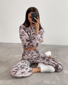 #oversizedhoodie #casual #hoodie #vintage #sportstyle #casualstyle #winterpants #stylepants #streetstyle #joggers #trackpants #pantsforeveryday #fashionphotography #fashionlook #beigejoggers #outfit2021 #fashion2021 #lookof2021 #lichibrand #springstyle Casual Outfits, Fashion Outfits, Tie Dye Hoodie, Online Fashion Stores, Sport Fashion, High Waist Jeans, Fashion Looks, Style Fashion, Two Piece Skirt Set