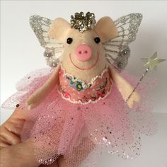 A very mini felt fairy piggy for all pink pig lovers @themerrymice