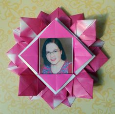 How to make an origami flower picture frame
