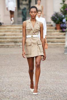 Look Fashion, Timeless Fashion, Fashion News, Fashion Show, Fashion Outfits, Fashion Design, Spring Summer Trends, Spring Fashion Trends, Spring Summer Fashion