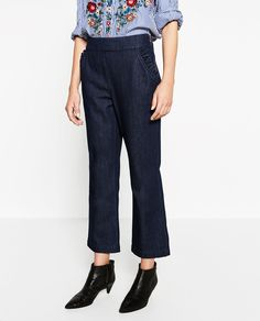 Image 2 of HIGH-WAIST CROPPED JEANS from Zara
