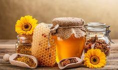 Una libra de miel requiere que 60,000 abejas viajen colectivamente hasta 88,000 km. Las abejas visitan más de 2 millones de flores para reunir néctar...