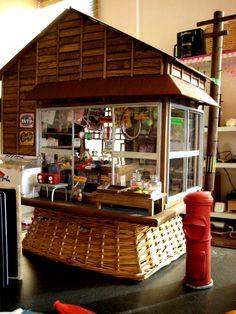 『昭和の駄菓子屋完成間近♪ 電柱・ポスト作りなど ミニチュア・ドールハウス』