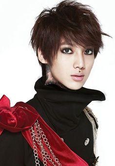 Boyfriend - Youngmin or Kwangmin
