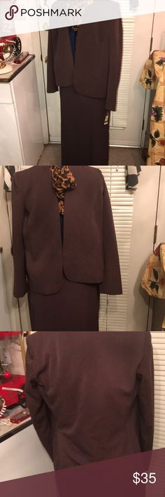 Investments Ladies 3 Piece Suit Investments workwear. Three Piece Suit. Just the fit for office ware. Gives that that strong business woman look. It Includes the jacket size 6. The pants are size 8R The Jacket is size 8. Material is 83% Polyester 22% Rayon 5% Spandex 100% polyester Lining. Was a display item. Investments Other