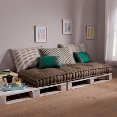 Spectacular Diy Projects Pallet Sofa Design Ideas For You - Furniture - Diy Pallet Sofa, Diy Couch, Diy Pallet Furniture, Couch Cushions, Furniture Ideas, Furniture Design, Pallet Tables, Pallet Beds, Outdoor Pallet