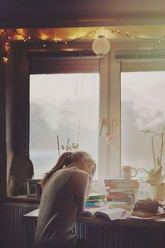 温かな窓辺で、思いっきり読書。ふと顔をあげると、自然が広がる。 そんな物語のような空間がここにはあります。