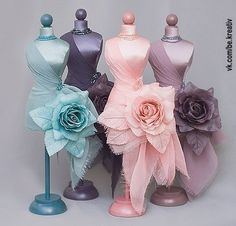 mannequins - very cool if life sized! Mannequin Art, Dress Form Mannequin, Manequin, Barbie Dress, Miniture Things, Jewellery Display, Pin Cushions, Dressmaking, Doll Clothes