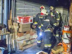 Brennende Wärmepumpe breitet sich auf Garage aus http://www.feuerwehrleben.de/brennende-waermepumpe-breitet-sich-auf-garage-aus/ #firefighter #feuerwehr
