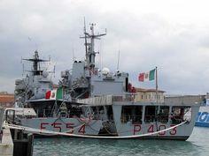 """The corvette """"Sfinge"""" (F 554) and the patrol boat """"Spica"""" (P 403)"""