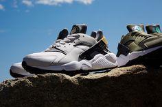 傑作スニーカー15選 | For M Huaraches, Nike Huarache, Sneakers Nike, Shoes, Fashion, Nike Tennis, Moda, Zapatos, Shoes Outlet
