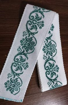 Cross stitch bookmark by lana – Artofit Cross Stitch Bookmarks, Cross Stitch Rose, Cross Stitch Borders, Cross Stitch Alphabet, Cross Stitch Designs, Cross Stitching, Cross Stitch Embroidery, Cross Stitch Patterns, Bordado Popular