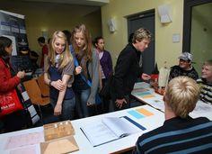 """Stadt der jungen Forscher-Schülerkonferenz 12. September 2011, Universität Rostock, Ulmenstraße 69, Haus 1"