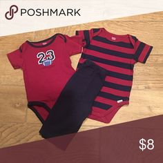 3 Piece Outfit 2 onesies & pants - excellent condition  Gerber Matching Sets