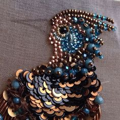 Птички...авторская вышивка#брошь #бисер #вышивка #птица #пайетки #бусины #embroidery #fashion_embroidery