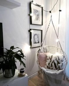 A hanging chair with a string of lights will turn into a cozy corner in an instant … - Room Decoration Industrial Hanging Chairs, Mad Men Decor, Living Room Decor, Bedroom Decor, Bedroom Ideas, Home Decor Baskets, Door Design Interior, Home Design, Wooden Bedroom