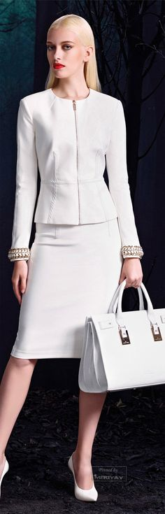 Elisabetta Franchi doesn't mean frumpy. Office Fashion, Work Fashion, Fashion Design, White Outfits, Cool Outfits, How To Have Style, Business Outfit, Business Casual, Power Dressing