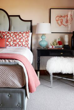 Coral accents-Love the lamp, head and foot board, black touches...