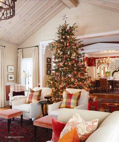 Sarah Richardson's Country House at Christmas 8/11