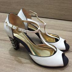 Dressbe   Sapato branco Cristofoli #shoes #sapatos #moda