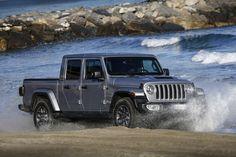 Das neue Modell markiert die Rückkehr der Marke in das Pickup-Segment und kommt zu den Feierlichkeiten des 80-jährigen Jubiläums von Jeep® zu den europäischen Händlern. Jeep Gladiator, City, Vehicles, Gladiators, Celebrations, Scale Model, Cities, Car, Vehicle