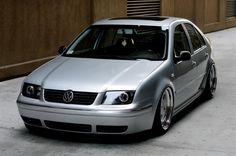 I think I'm sold on the black grill. Can't wait to try it out on my Jetta. Volkswagen Jetta, Vw Bora Tuning, Vw Tdi, Vw Golf Mk4, T2 T3, Passat B5, Vw Classic, Vw Golf Variant, Vw Cars