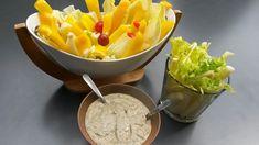 Recette du soleil ! L'anchoïade est à servir avec un large choix de légumes Ingrédients : (pour 8 pers) - 200 gr d'anchois - 2 càs de vinaigre - huile d'olive - 5 gousses d'ail - 1 bouquet de persil - poivre - 1 jaune d'oeuf (ou 100 gr de mie de pain)...