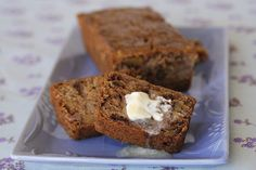 Make this classic recipe for Slow Cooker Banana Bread your own by adding walnuts or chocolate chips! #CrockPot #BreakfastRecipes