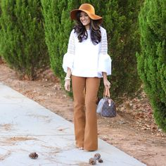 Chic Fall outfit - bell bottoms + bell sleeves 💕.   Instagram: my.southern.style