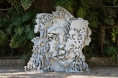 """Imagem Escultura de """"Vhils"""" no festival Iminente- em Oeiras- Portugal"""