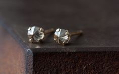 CHOCOLATE DIAMOND SPIKE STUD EARRINGS | Alexis Russell