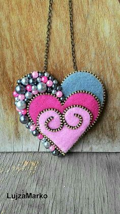Zipper Jewelry, Fabric Jewelry, Jewelry Art, Beaded Jewelry, Felt Crafts, Fabric Crafts, Zipper Flowers, Ribbon Flower, Ribbon Hair