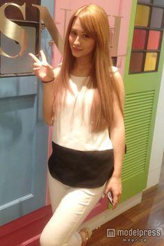 Akemi Darenogare - Japanese model