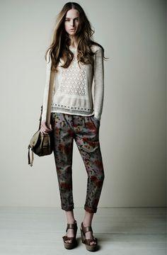 18826 Pantalones Trousers / 18535 Jersey Sweater / 18077 Bolso Bag