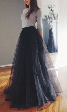 Classic beauty with maxi tulle skirt