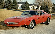 1969 Dodge Daytona and a 1970 Superbird - Information on collecting cars - Legendary Collector Cars 1969 Dodge Charger Daytona, Dodge Daytona, Plymouth Superbird, Plymouth Cars, Dodge Muscle Cars, Cool Old Cars, Dodge Chrysler, Drag Cars, American Muscle Cars