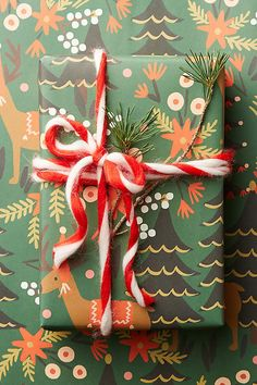 Slide View: 1: Holiday Wrapping Paper Set