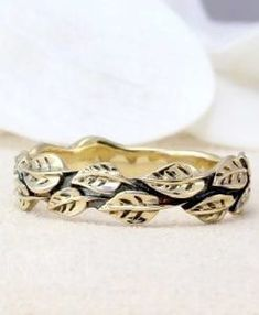 Leaf Wedding Band | Benati 14k solid gold Leaf Wedding Band, Wedding Band Sets, Boho Wedding, Boho Jewelry, Bridal Jewelry, Handmade Jewelry, Jewelry Design, Alternative Engagement Rings, Bridal Sets