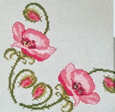 This Pin was discovered by Yas Baby Embroidery, Cross Stitch Embroidery, Embroidery Patterns, Cross Stitch Heart, Cross Stitch Flowers, Cross Stitch Designs, Cross Stitch Patterns, Pinterest Cross Stitch, Vintage Cross Stitches