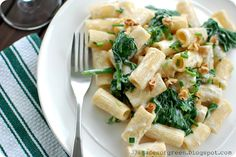 33 Shades of Green: Tasty Tuesdays: Gorgonzola, Spinach, & Toasted Walnut Rigatoni