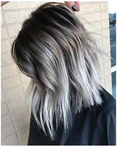 Black And Silver Hair, Silver Ombre Hair, Silver Hair Styles, Hair Color Silver Grey, Short Silver Hair, White Hair, Purple Hair, Gray Hair Color Ombre, Color Streaks
