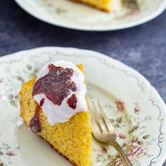 Prăjitura mălai dulce cu gem de vișine și frișcă   Bucate Aromate Entremet Recipe, Cake Recipes, Dessert Recipes, No Cook Desserts, Food Cakes, Party Cakes, Cake Cookies, Biscuits, French Toast
