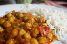 I've had so many boring versions of channa masala I was little flabbergasted when I came across a version that was delicately spiced, fragrant, and worthy of the spotlight. I was up on Devon Avenue in Chicago at Uru-Swati, an...