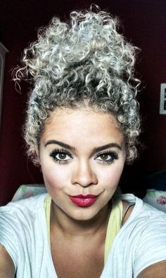 Kinky Curly Hairstyles For Afro American Girls - Fave HairStyles Pelo Color Plata, Curly Hair Styles, Natural Hair Styles, Curly Silver Hair, Silver Blonde, Natural Curls, Great Hair, Hair Dos, Hair Hacks