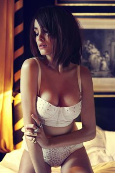 Madame SuperTrash Lingerie AW2014 'Pearl' Balcony Bra & Hipsters