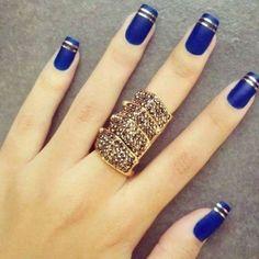 Azul fosco com filetes dourados   Unhas decoradas 2016