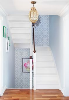 Light blue walls with accent colors, stencils trellis wallpaper, pattern wallpaper, hallway wallpaper Aqua Wallpaper, Hallway Wallpaper, Trellis Wallpaper, Geometric Wallpaper, Pattern Wallpaper, Modern Wallpaper, Beautiful Interiors, Beautiful Homes, House Beautiful